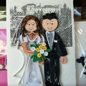 Ritratto sposi con chiesa